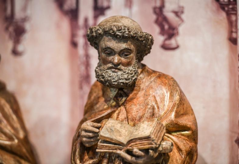 Eine Figur des Apostels Petrus.
