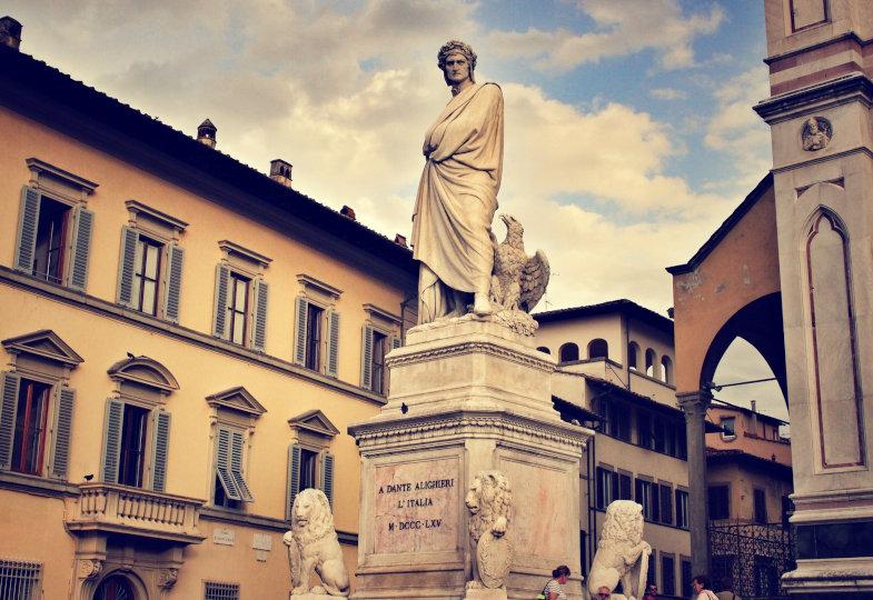 Statue von Dante