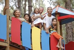 Eltern lotsen andere Eltern und Erziehende