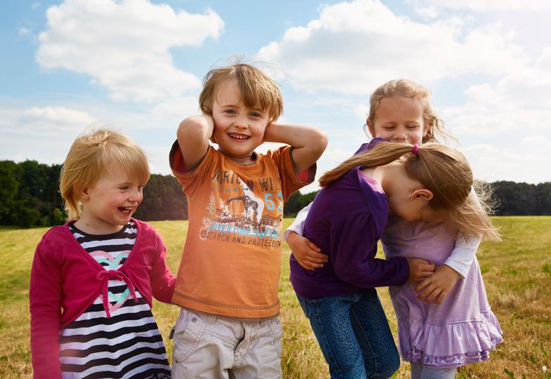 Spielen, streiten und lachen