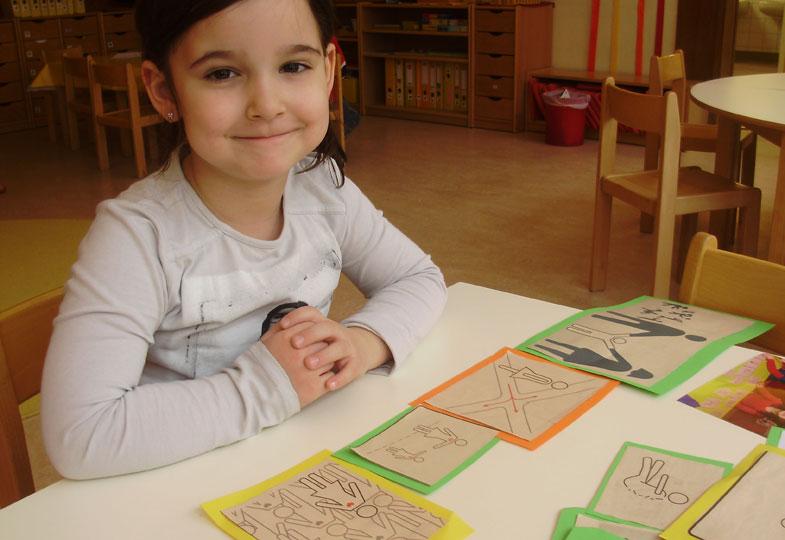 Sprache mit Zeichen: Ein Kunstprojekt mit Piktogrammen