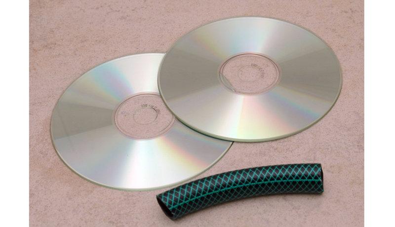 Basteln mit gebrauchten CDs: Das verrückte Zwei-Rad