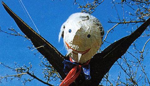 Basteln mit Kleisterpapier: Fliegender Vampir