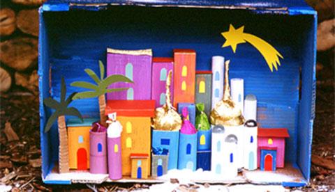 Basteln mit Schachteln und Kartons: Glitzernde Weihnachtsstadt