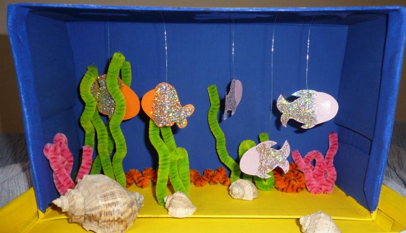 Basteln mit Schuhkartons: Aquarium mit Fischen und Korallen