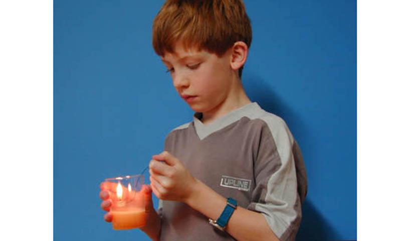 Brausetabletten löschen Kerze: Schaumlöscher