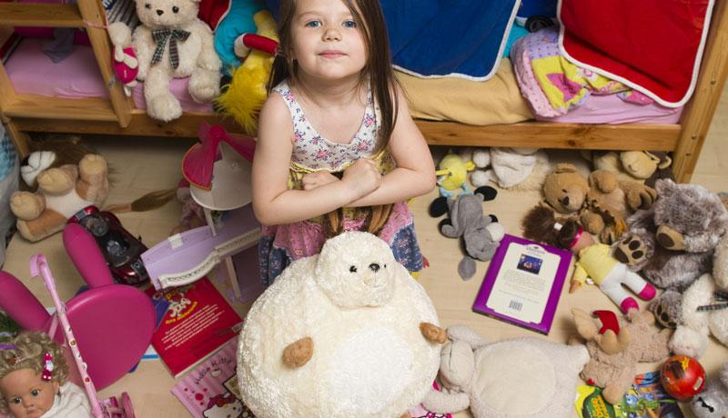 Chaos im Kinderzimmer: Kindern Aufräumen beibringen