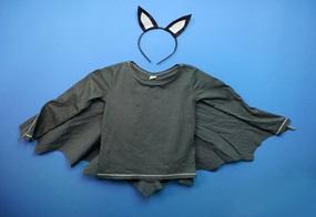 Das Fledermauskostüm für Halloween ist ruck-zuck fertig