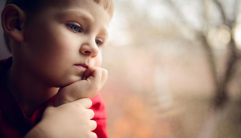 Dauerstress bei Kindern: Gefahr durch Lärm, Hektik und Leistungsdruck