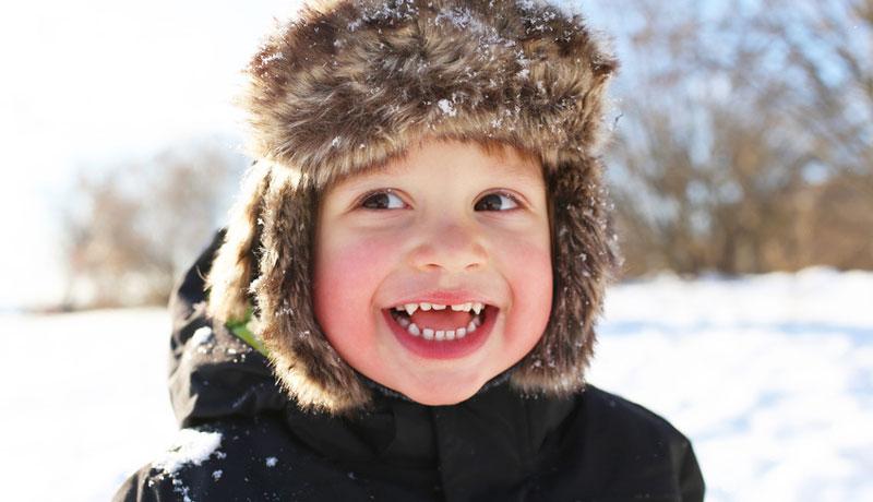 Die weiße Pracht lockt uns nach draußen: Wir begrüßen den ersten Schnee