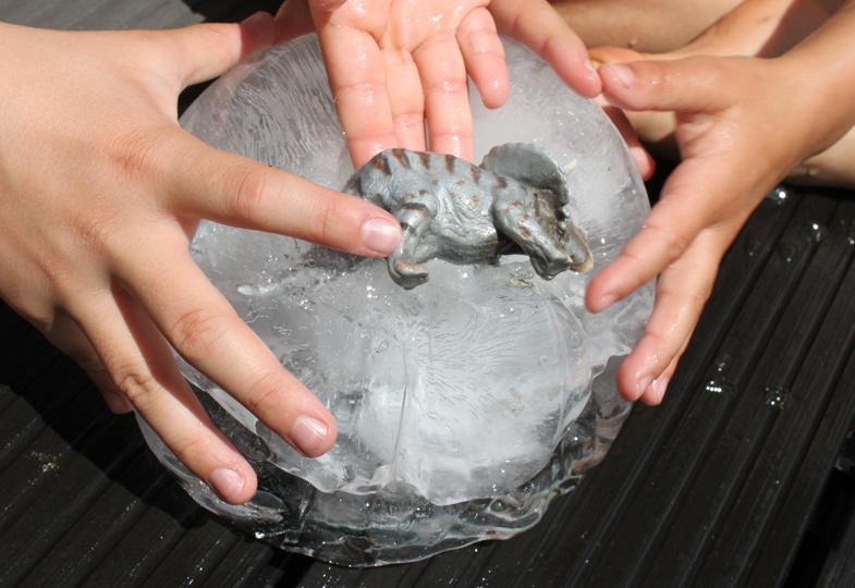 Dinos im Eis