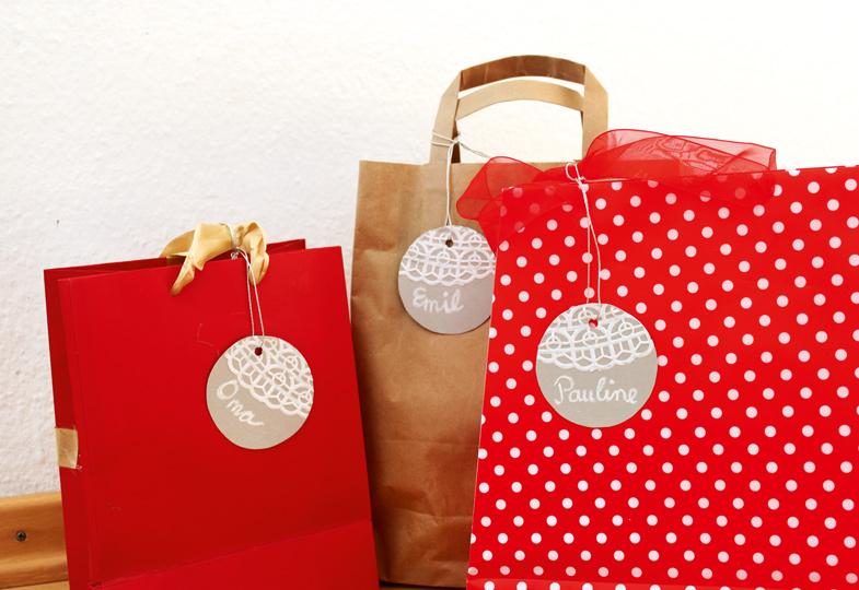 Geschenkanhänger aus Spitze - praktisch und schick