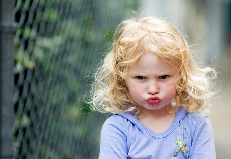 Maulen, nölen, bockig sein: Kinder wissen, wie sie ihren Willen durchsetzen können