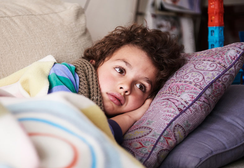 Bronchitis bei Kindern: Ab wann muss man zum Arzt?