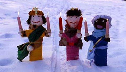Kerzenhalter aus Plastikflaschen: Leuchtende Drei Könige