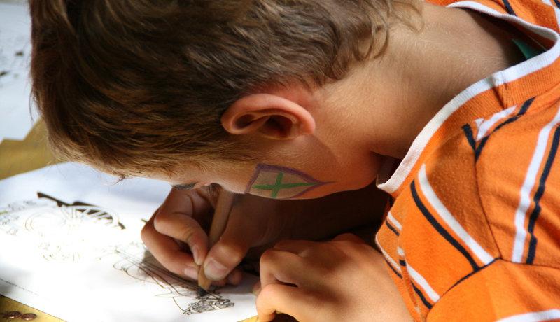 Kinesiologie: Konzentrationsfähigkeit bei Kindern steigern