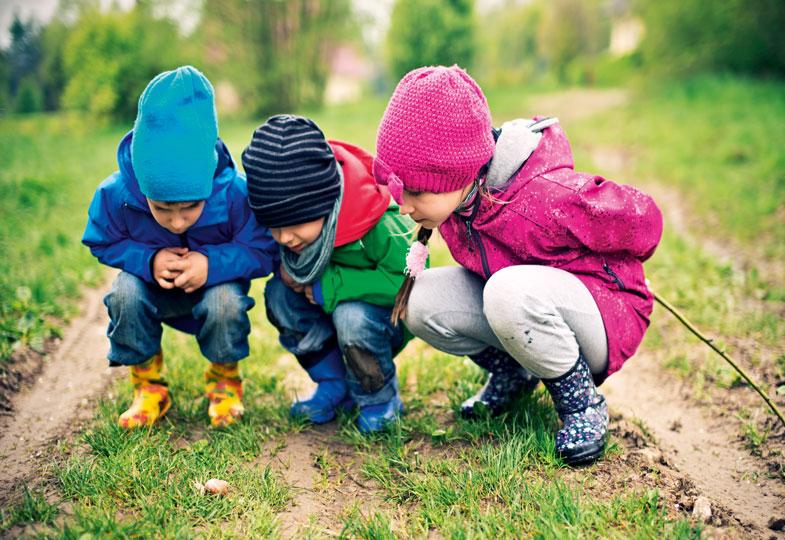 Wo will die Schnecke denn hin? Die Natur ist für Kinder ein spannendes Lernfeld