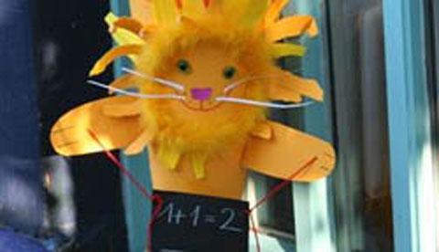 Löwenstarker Auftritt: Schultüte mit Löwe