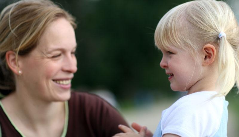 Loslassen lernen: Die Abnabelung von Mutter und Tochter