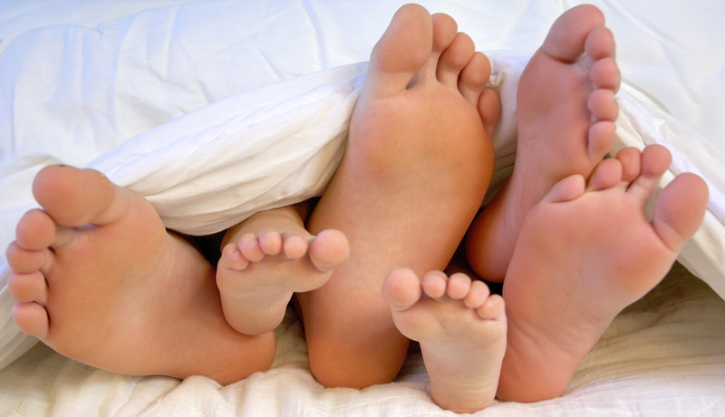 Nähe und Distanz zwischen Eltern und Kind: Das richtige Maß finden