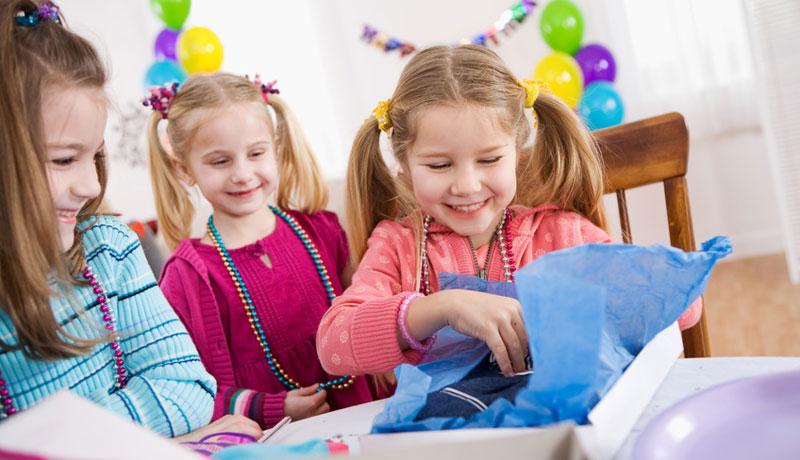 Präsente für den Kindergeburtstag: Das ideale Geschenk
