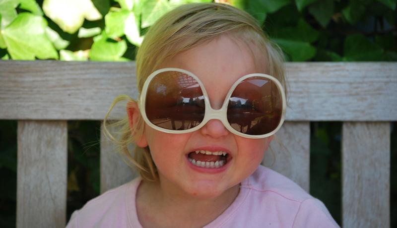 Sonnenbrillen für Kinder: Cool aber schädlich